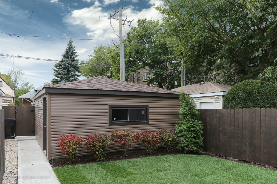 Detached Garage, Balmoral Restoration, Chicago