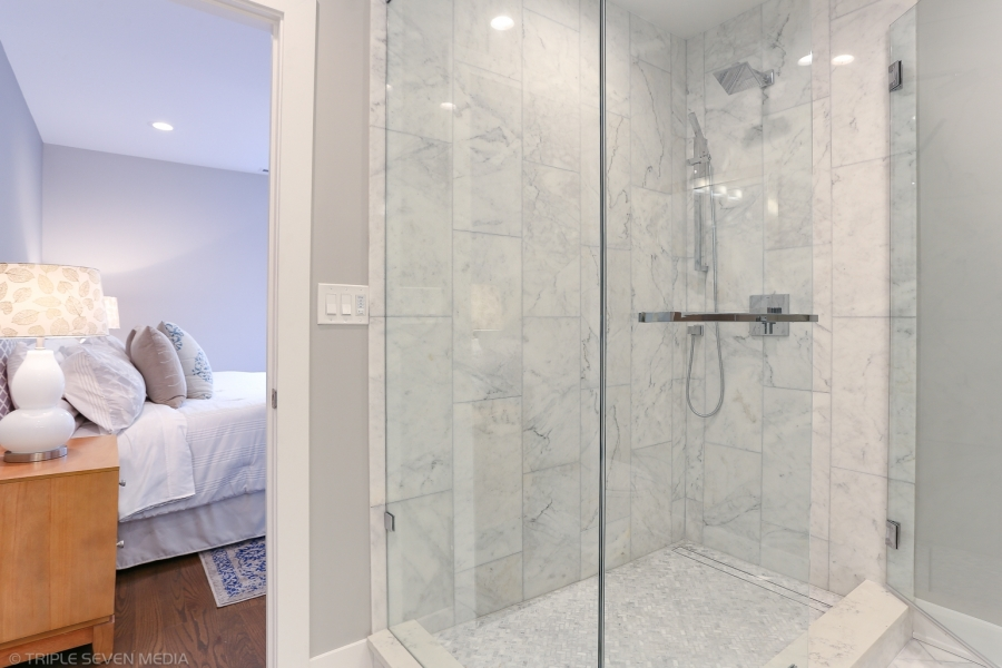 Master Bedroom Shower, Balmoral Restoration, Chicago