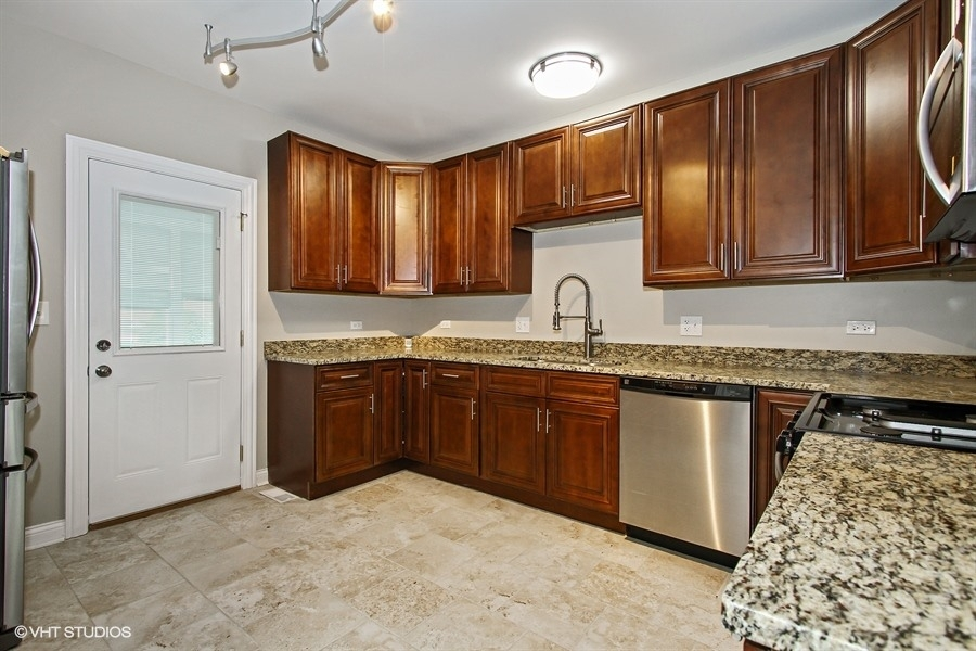 After Kitchen. Luella, Chicago, Home Restoration Project